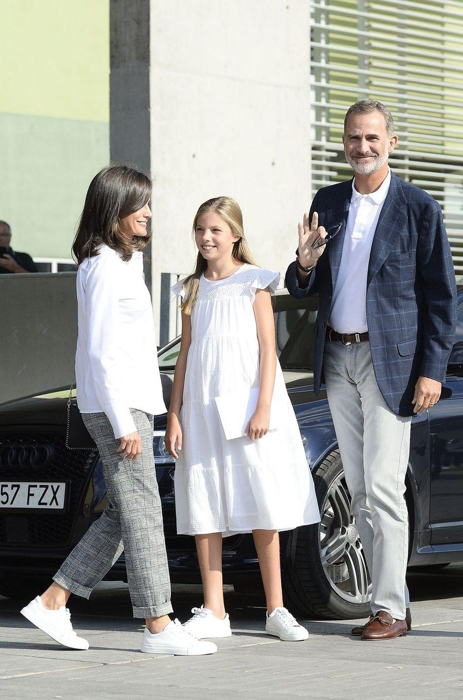 La reine Letizia et le roi Felipe VI d'Espagne avec la princesse Sofia à Madrid, le 27 août 2019