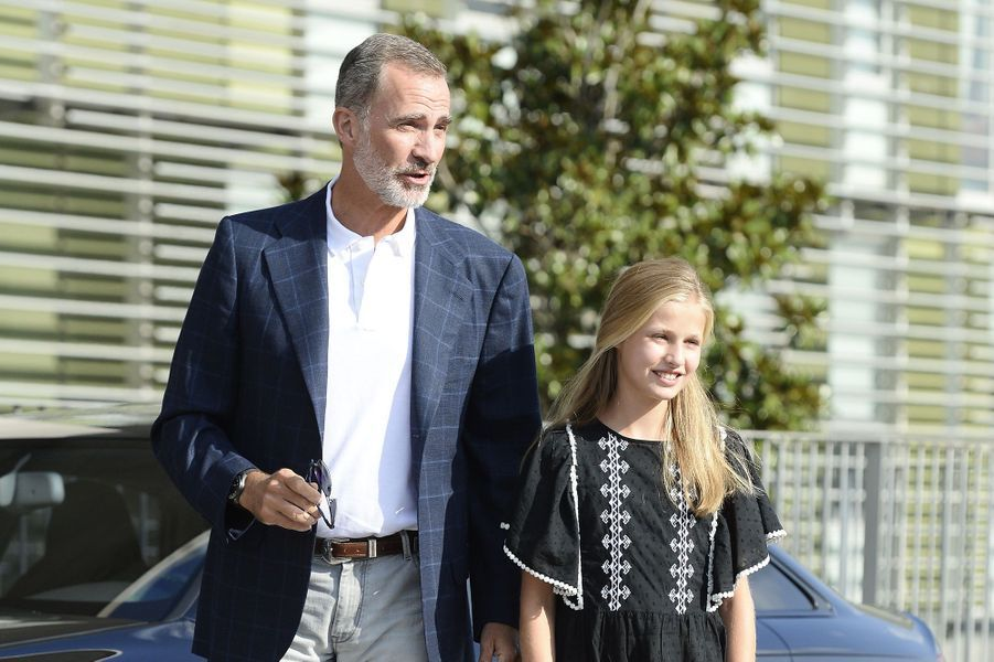 Le roi Felipe VI d'Espagne avec la princesse Leonor à Madrid, le 27 août 2019
