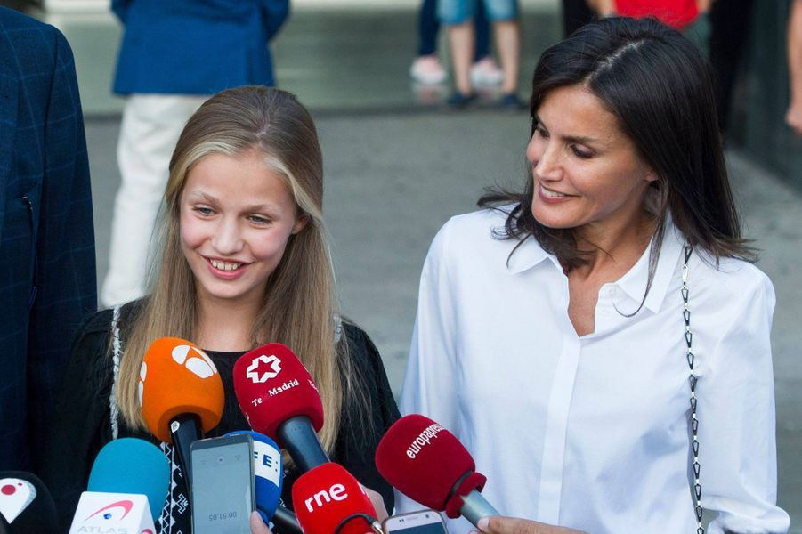 La princesse Leonor et la reine Letizia d'Espagne à Madrid, le 27 août 2019