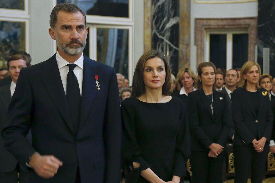 Le roi et la reine Letizia d'Espagne avec les infantes Elena et Cristina à Madrid, le 11 mai 2017