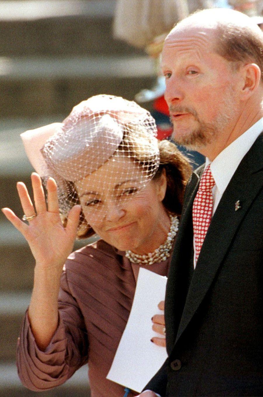 L'ancien roi Siméon de Bulgarie et sa femme Margarita au mariage de l'infante Cristina d'Espagne et de Inaki Urdangarin, à Barcelone le 4 octobre 1997