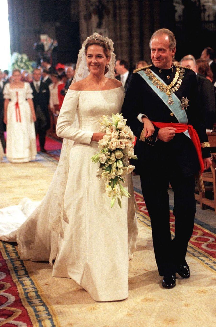 L'infante Cristina d'Espagne et son père le roi Juan Carlos à Barcelone, le 4 octobre 1997