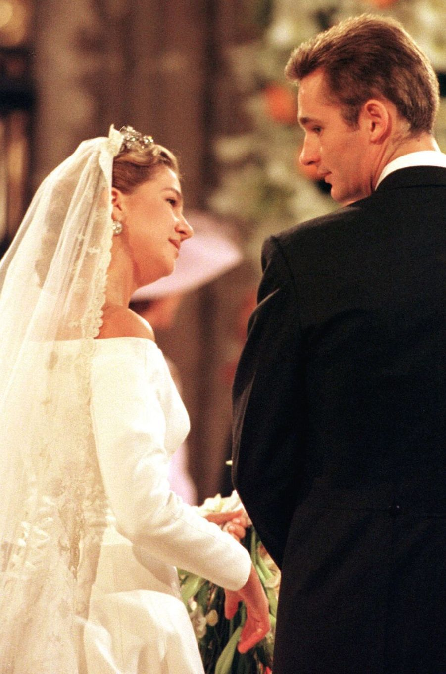 L'infante Cristina d'Espagne et Inaki Urdangarin le jour de leur mariage, à Barcelone le 4 octobre 1997