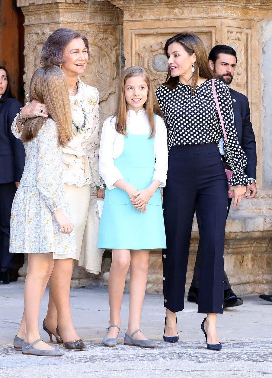 Leonor, sa grand-mère Sophie de Grèce, Sofia et Letizia d'Espagne