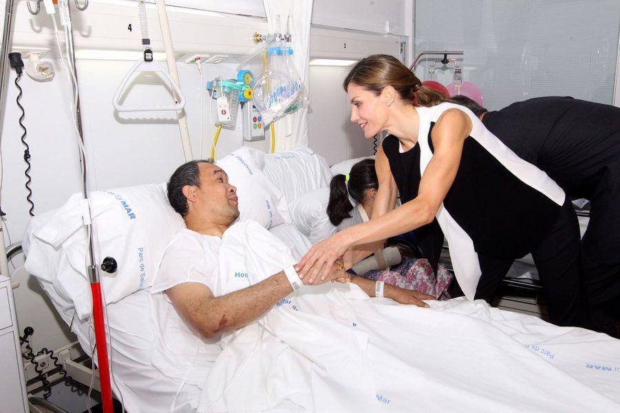 Felipe VI et Letizia au chevet des blessés de l'attentat de Barcelone.