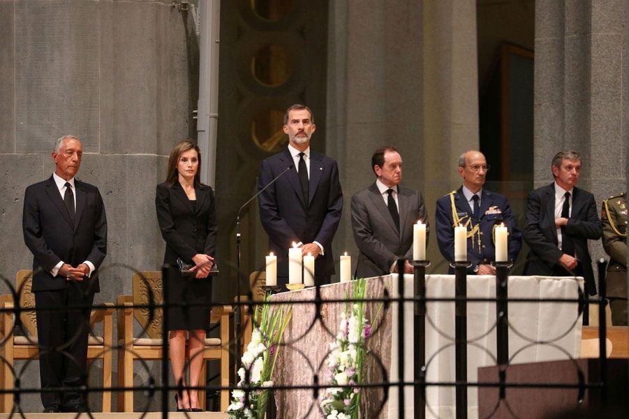 Selon la Casa Real, la cérémonie à laquelle ont participé le roi Felipe VI et la reine Letizia a rassemblé 3500 personnes dans la Sagrada Familia.