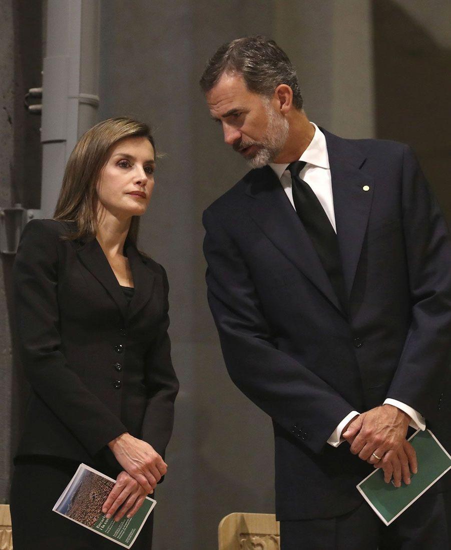 Letizia et Felipe VI durant la cérémonie, dimanche à la Sagrada Familia.