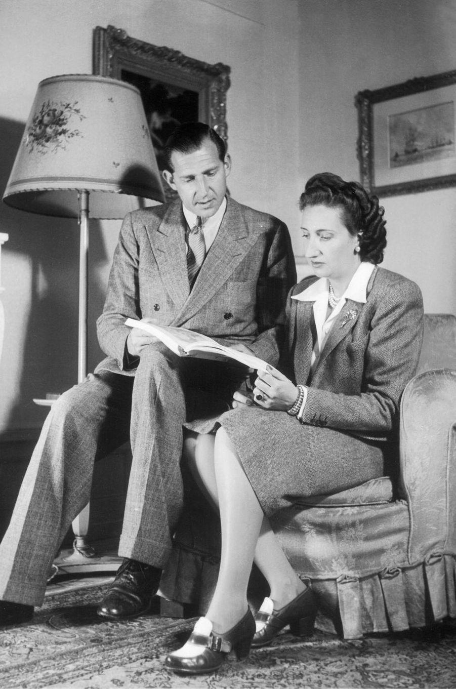 Le prince Juan avec sa femme en exil à Lausanne le 2 janvier 1945