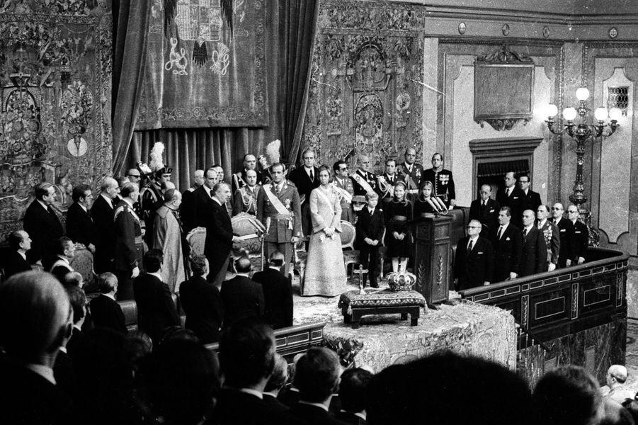 Juan Carlos d'Espagne est proclamé roi à Madrid, le 22 novembre 1975