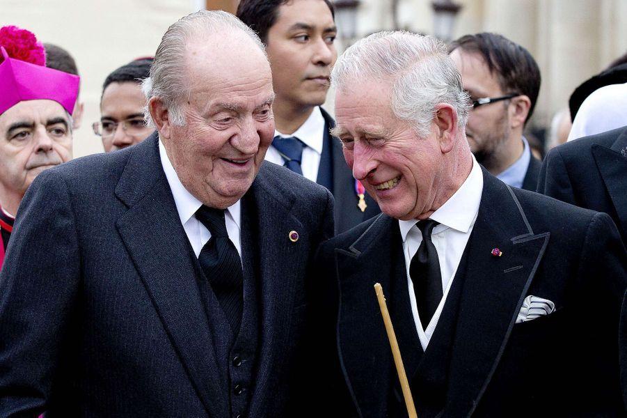 L'ex-roi Juan Carlos d'Espagne avec le prince Charles, le 16 décembre 2017