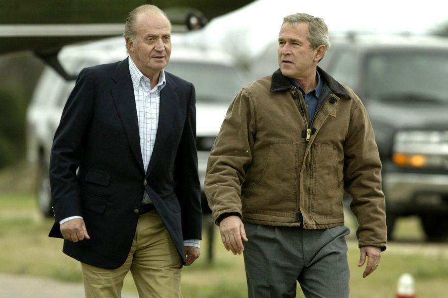 Le roi Juan Carlos Ier d'Espagne avec George W. Bush, le 24 novembre 2004