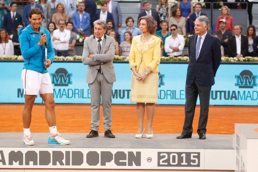 L'ex-reine Sofia d'Espagne avec Rafael Nadal (à gauche) aux Masters de Madrid, le 10 mai 2015