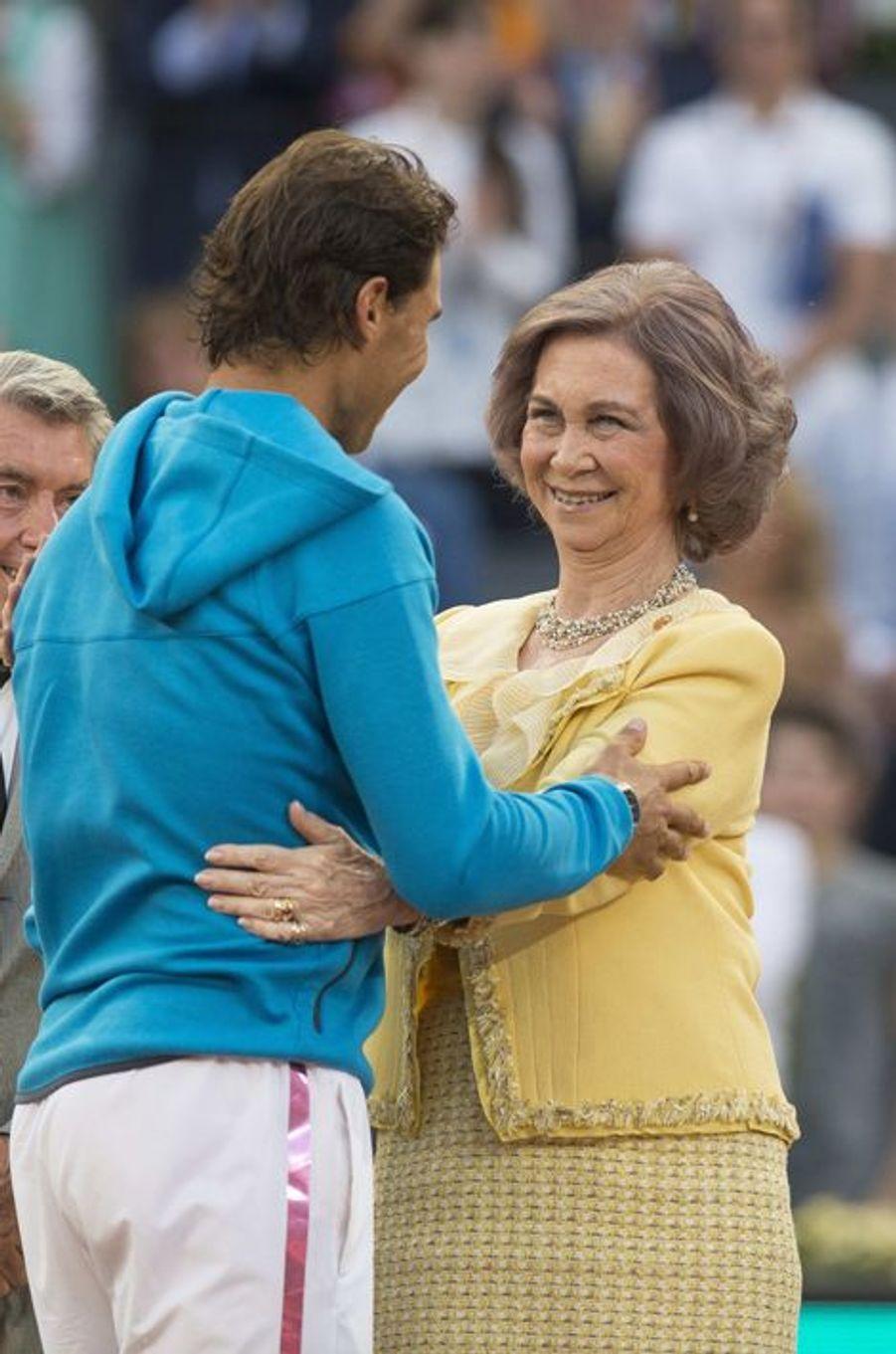 L'ex-reine Sofia d'Espagne avec Rafael Nadal aux Masters de Madrid, le 10 mai 2015