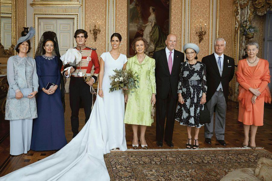 L'ex-reine Sofia d'Espagne au mariage du duc de Huéscar à Madrid, le 6 octobre 2018. A sa droite, l'ancien roi des Bulgares Siméon II.