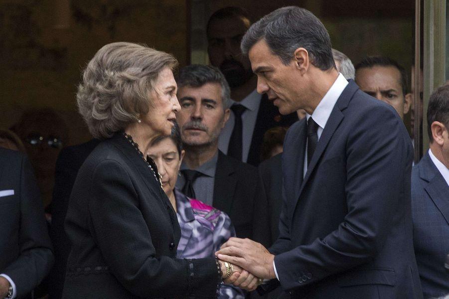 L'ex-reine Sofia d'Espagne avec Pedro Sanchez à Barcelone, le 8 octobre 2018