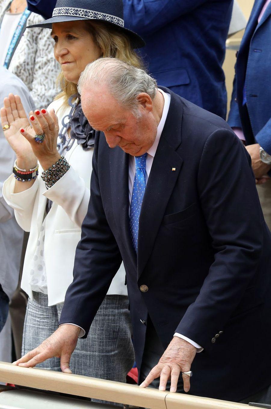 L'ex-roi Juan Carlos d'Espagne et l'infante Elena à la finale de Roland-Garros à Paris, le 9 juin 2019