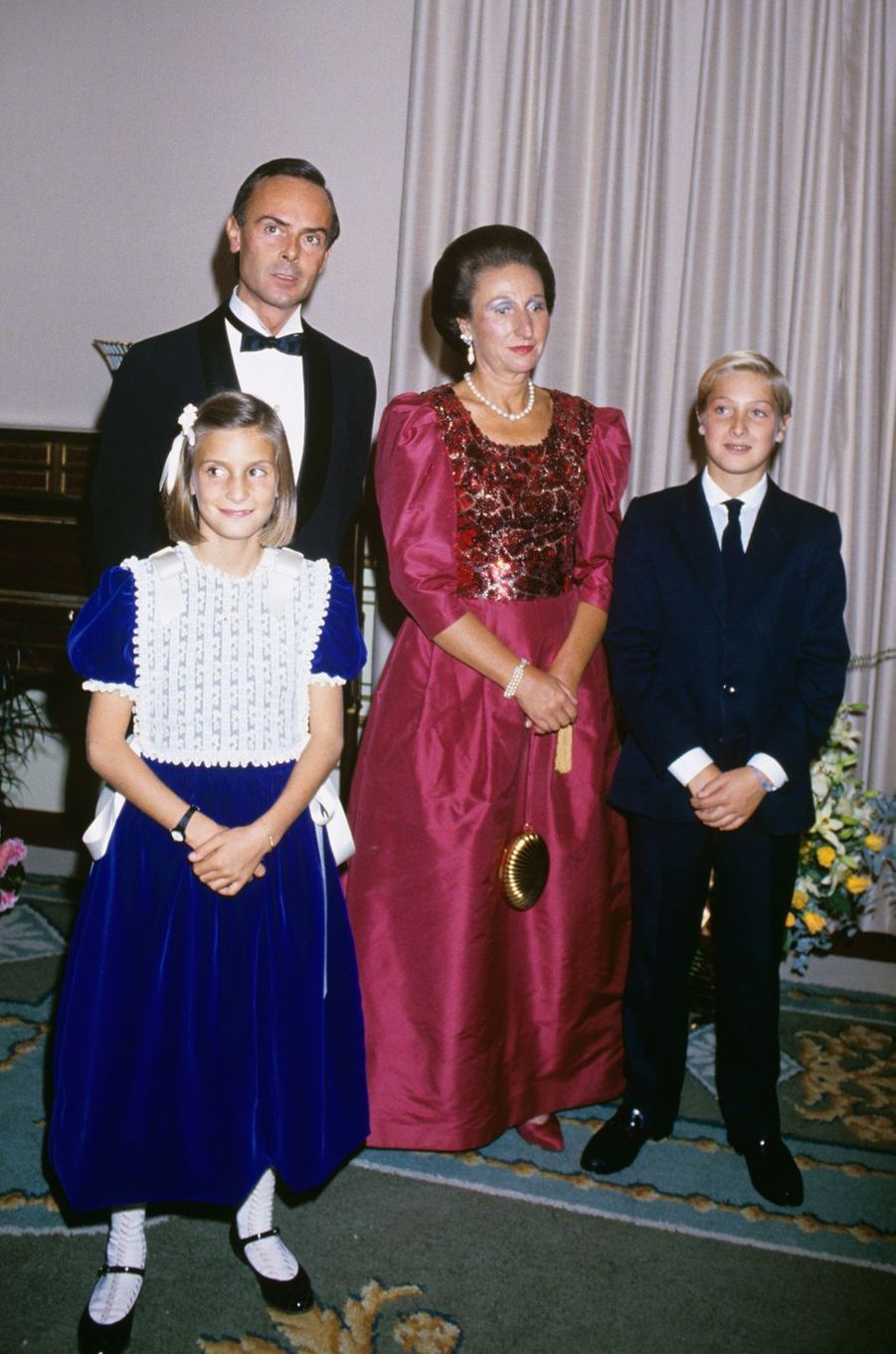 L'infante Margarita d'Espagne et Carlos Zurita avec leurs enfants, en 1985