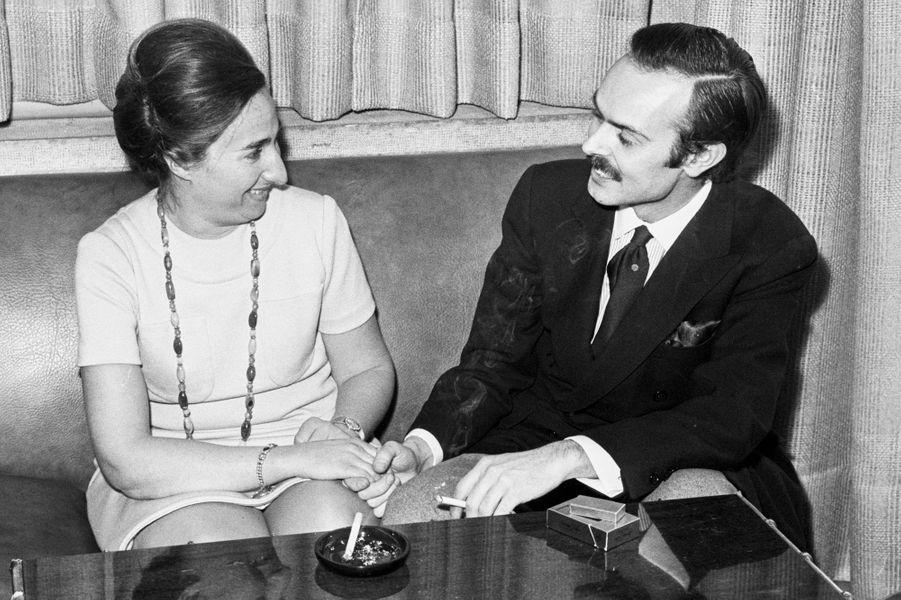 L'infante Margarita d'Espagne avec Carlos Zurita, le jour de leurs fiançailles le 1er mars 1972