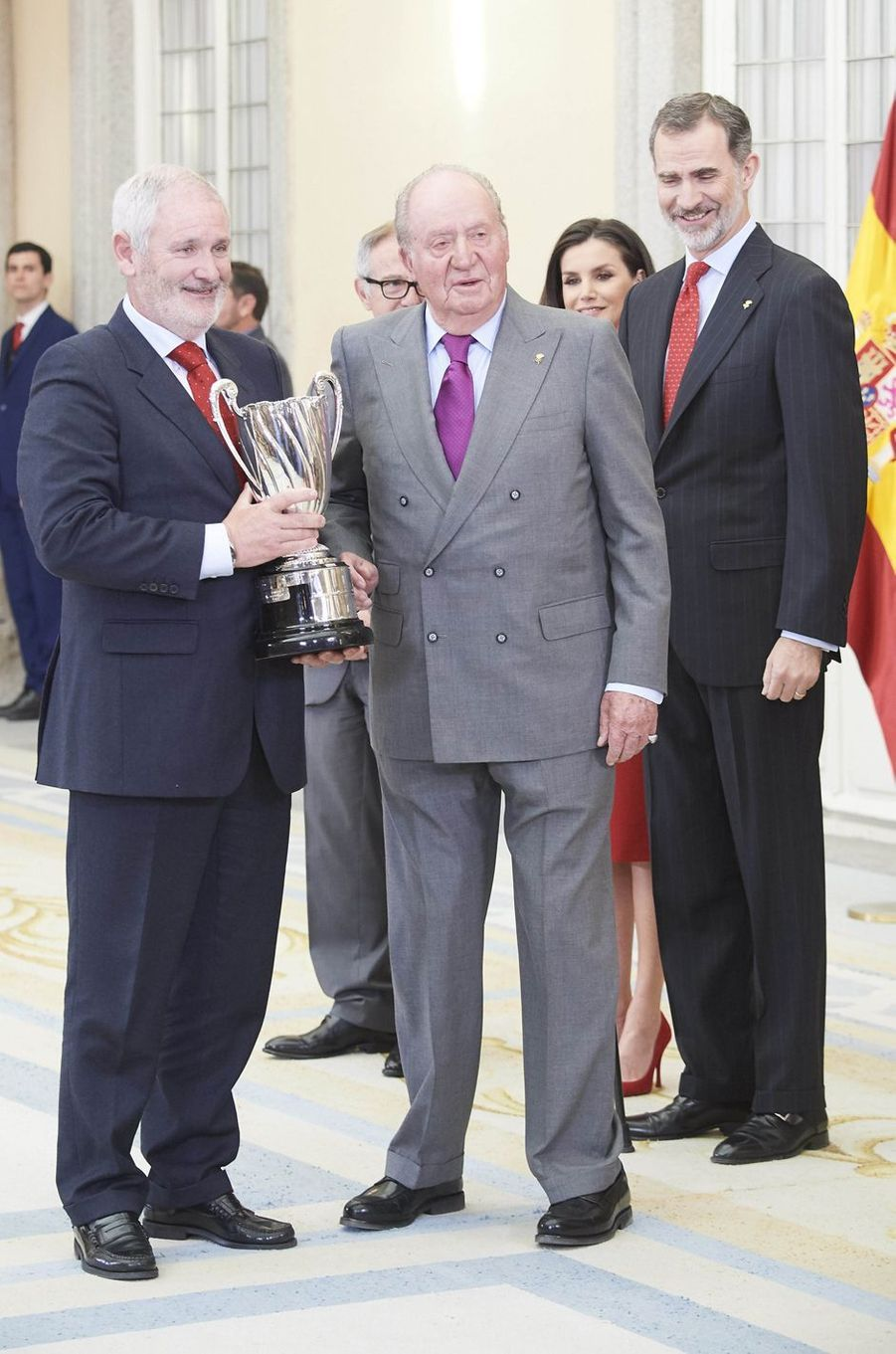 Le roi Felipe VI et son père l'ex-roi Juan Carlos d'Espagne à Madrid, le 10 janvier 2018