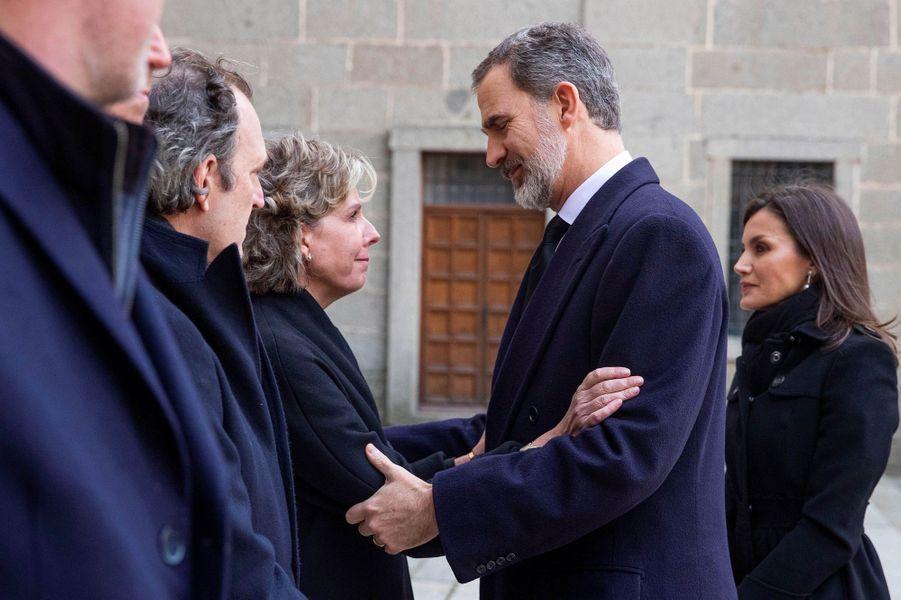 Le roi Felipe VI et la reine Letizia d'Espagne avec les enfants de l'infante Pilar à San Lorenzo de El Escorial, le 29 janvier 2020