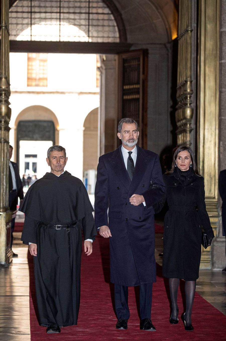 La reine Letizia et le roi Felipe VI d'Espagnedans la basilique du monastère royal de San Lorenzo de El Escorial, le 29 janvier 2020
