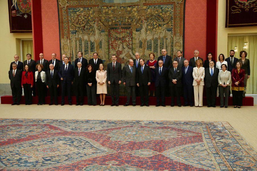 Le roi Felipe VI d'Espagne et l'ancien roi Juan Carlos à Madrid, le 3 décembre 2018