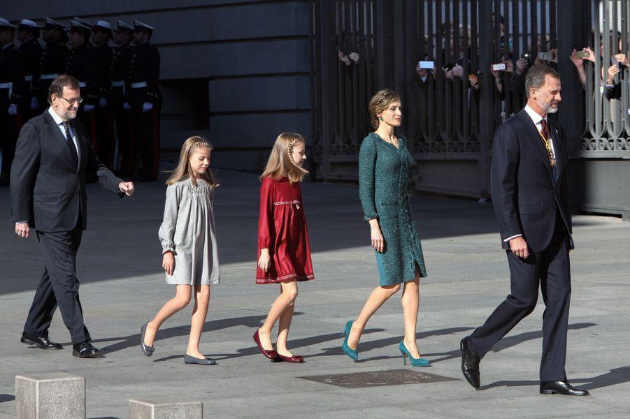 Les princesses Sofia et Leonor avec la reine Letizia et le roi Felipe VI d'Espagne à Madrid, le 17 novembre 2016