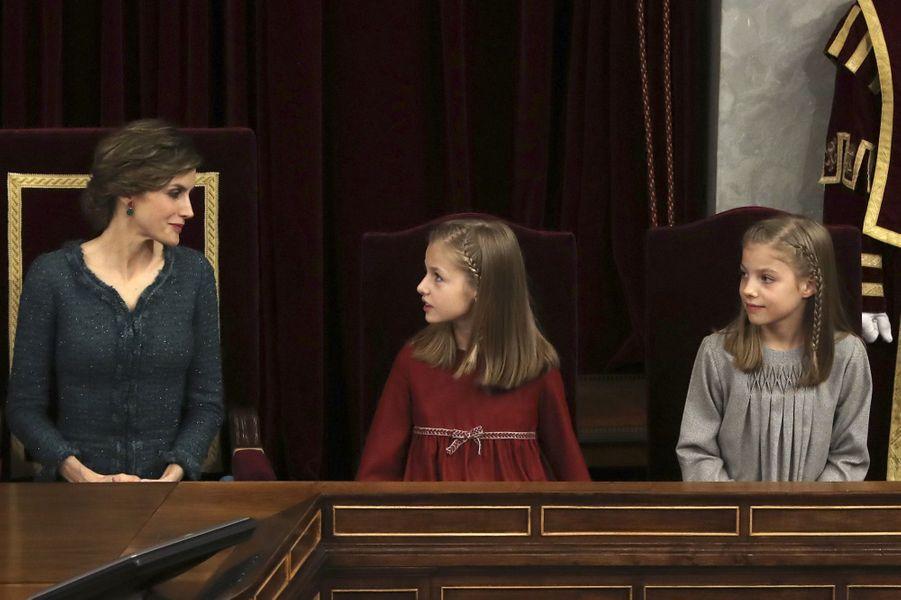 La reine Letizia d'Espagne et les princesses Leonor et Sofia à Madrid, le 17 novembre 2016