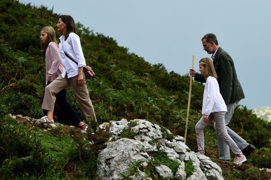 La princesse Leonor avec ses parents et sa soeur dans les Asturies, le 8 septembre 2018