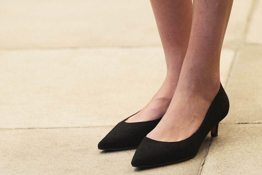 Les chaussures noires à talons de la princesse Leonor d'Espagne, à Oviedo le 16 octobre 2020