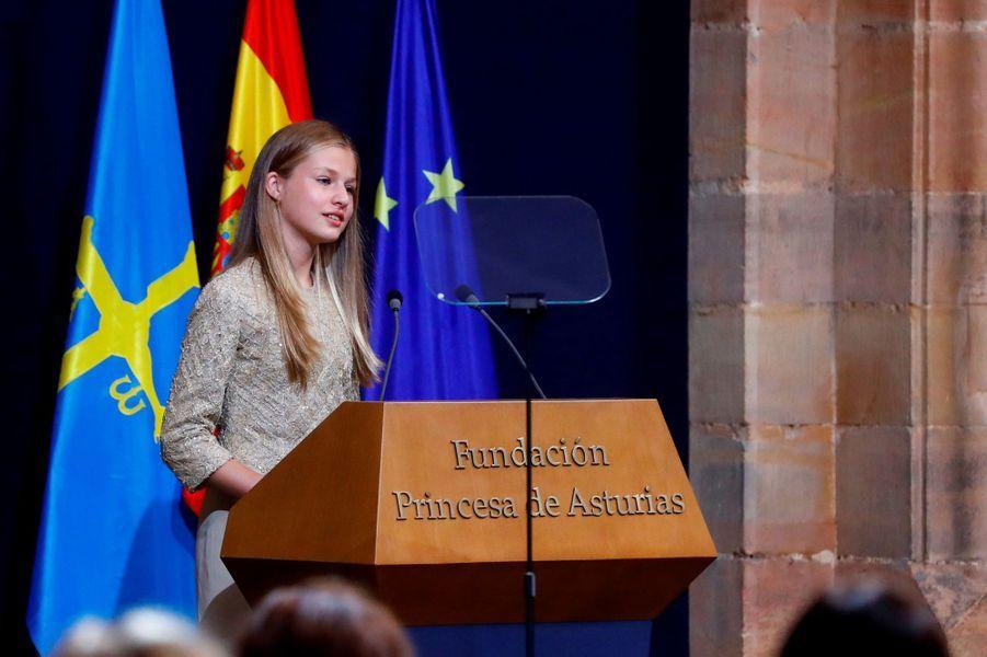 Leonor d'Espagne, princesse des Asturies, à Oviedo le 16 octobre 2020