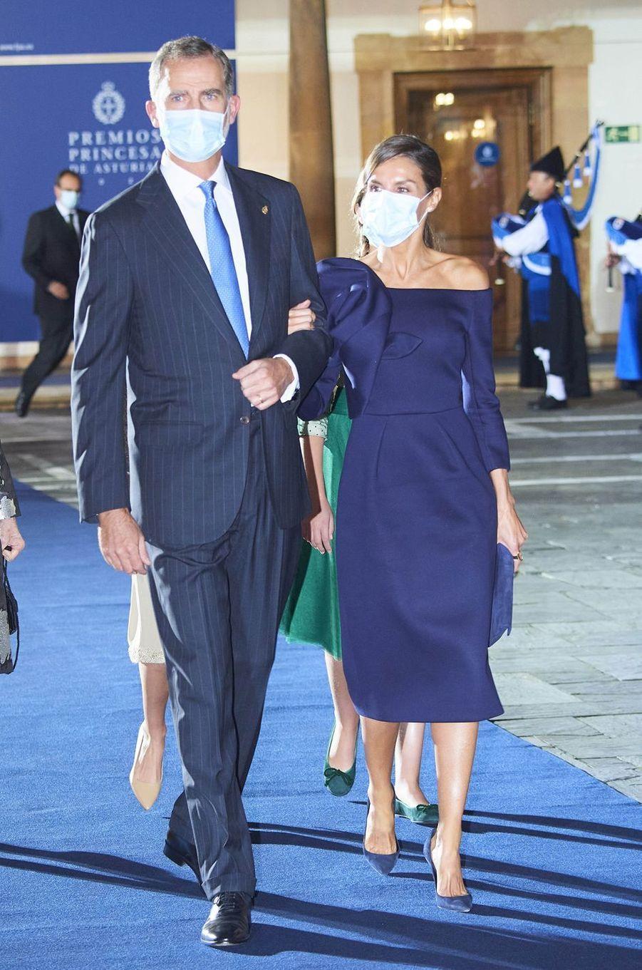 La reine Letizia et le roi Felipe VI d'Espagne à Oviedo, le 16 octobre 2020