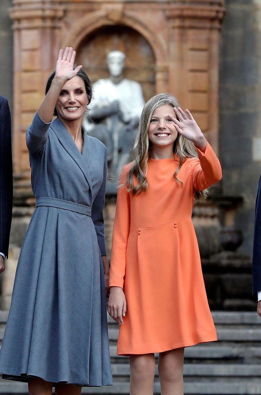 La reine Letizia d'Espagne et la princesse Sofia à Oviedo, le 17 octobre 2019