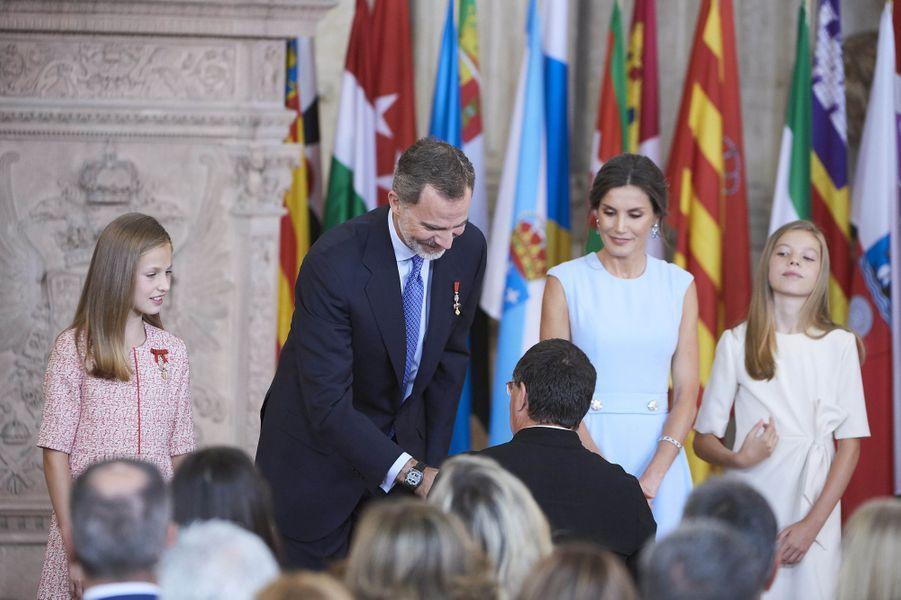 La reine Letizia, le roi Felipe VI d'Espagne et les princesses Leonor et Sofia à Madrid, le 19 juin 2019