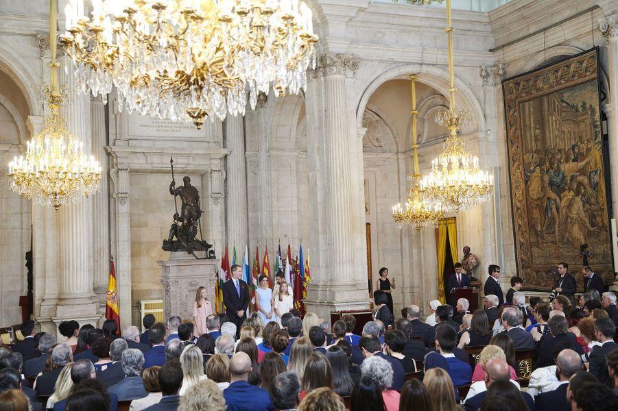 Les princesses Leonor et Sofia avec la reine Letizia et le roi Felipe VI d'Espagne à Madrid, le 19 juin 2019