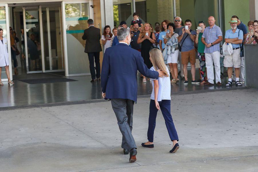 Le roi Felipe VI d'Espagne et sa fille cadette l'infante Sofia à Madrid, le 29 août 2019