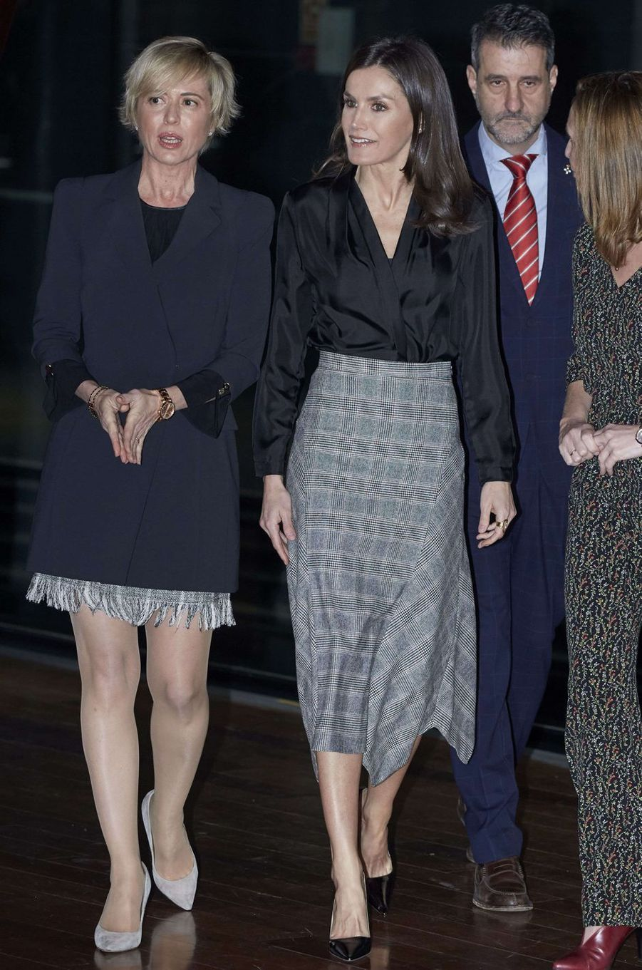 La reine Letizia d'Espagne, dans sa jupe Prince de Galles Massimo Dutti, à Madrid le 11 février 2020