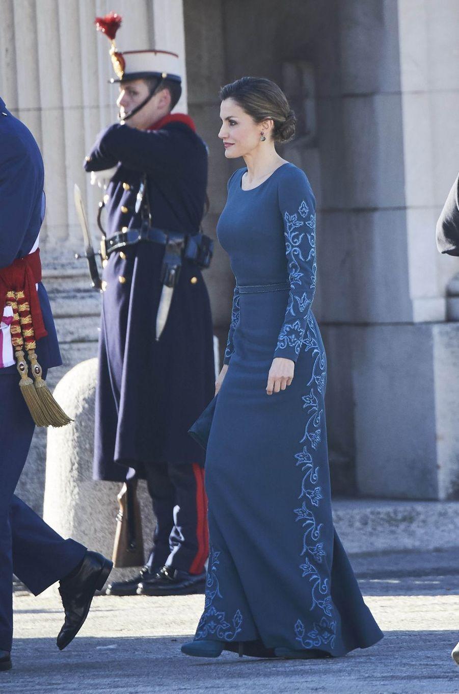 La reine Letizia d'Espagne dans une robe Felipe Varela à Madrid, le 6 janvier 2017
