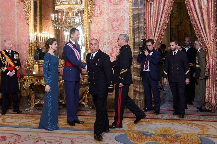 Letizia Felipe VI Espagne Paque Militaire Madrid 6 Janv 2016 16
