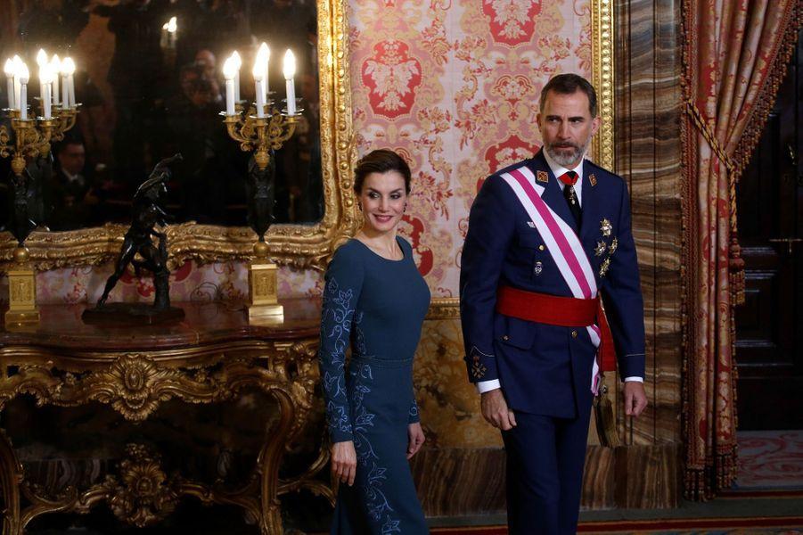 Letizia Felipe VI Espagne Paque Militaire Madrid 6 Janv 2016 19