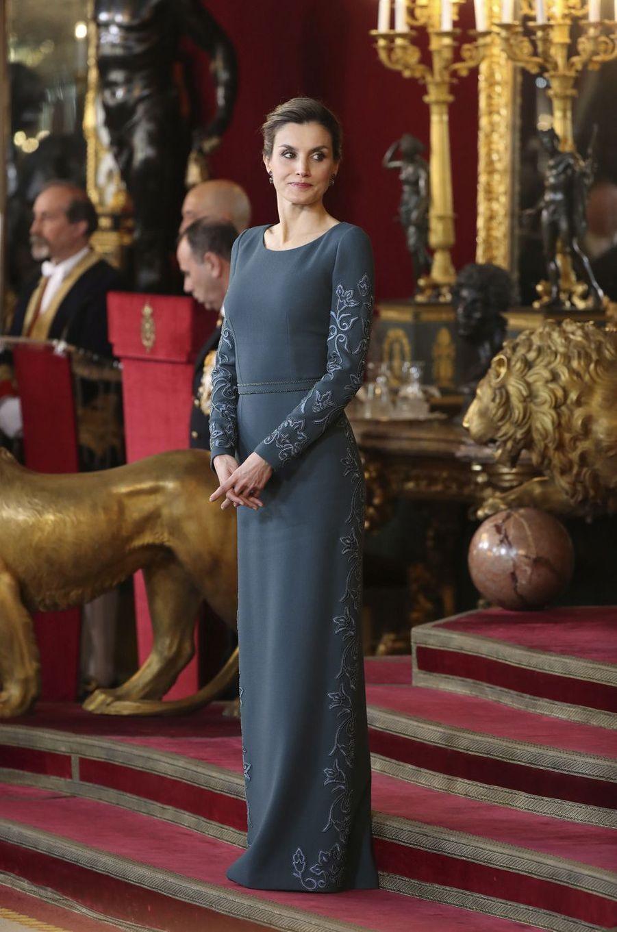 Letizia Felipe VI Espagne Paque Militaire Madrid 6 Janv 2016 22