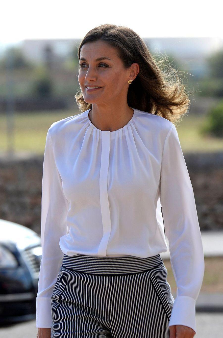 La reine Letizia d'Espagne décontractée à Marratxi, le 28 septembre 2018