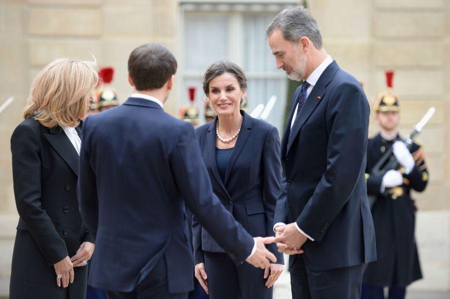La reine Letizia et le roi Felipe VI d'Espagne avec Brigitte et Emmanuel Macron au Palais de l'Elysée à Paris, le 11 mars 2020