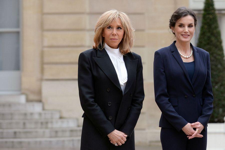 La reine Letizia d'Espagne avec Brigitte Macron au Palais de l'Elysée à Paris, le 11 mars 2020