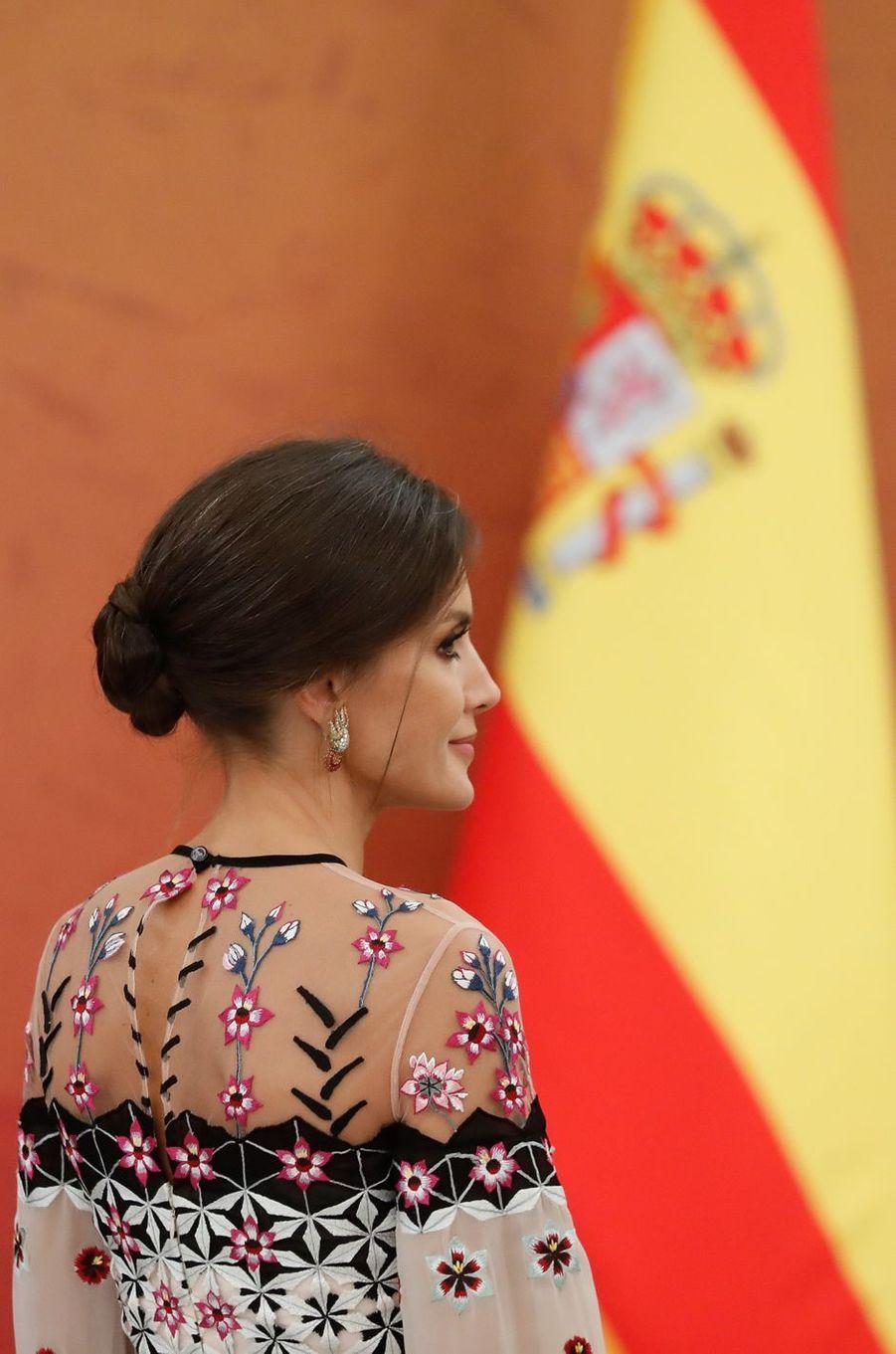 La reine Letizia d'Espagne, de dos, à Séoul, le 23 octobre 2019