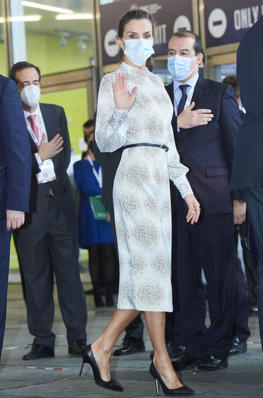 La reine Letizia d'Espagne au Fibes à Séville, le 25 novembre 2020