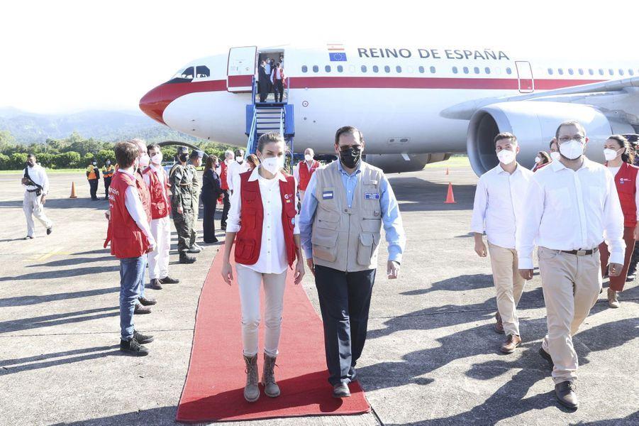 La reine Letizia d'Espagne à son arrivée au Honduras, le 14 décembre 2020