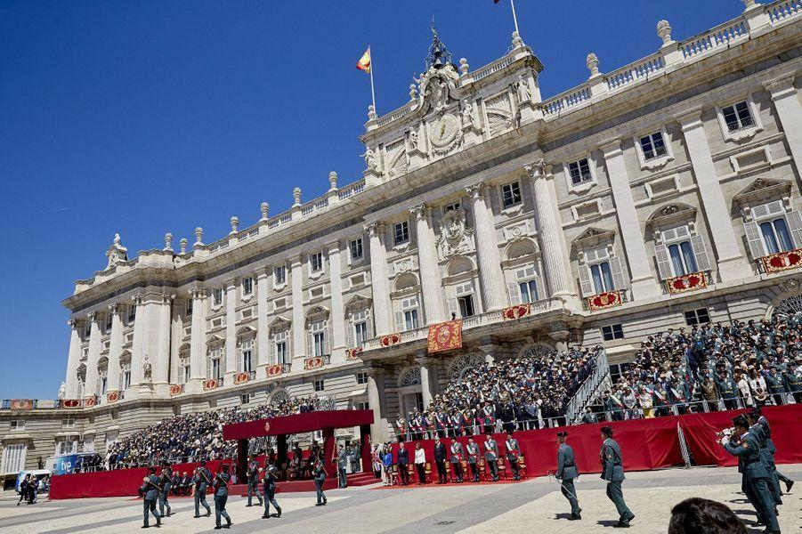 La reine Letizia et le roi Felipe VI d'Espagne lors d'une cérémonie militaire à Madrid, le 13 mai 2019
