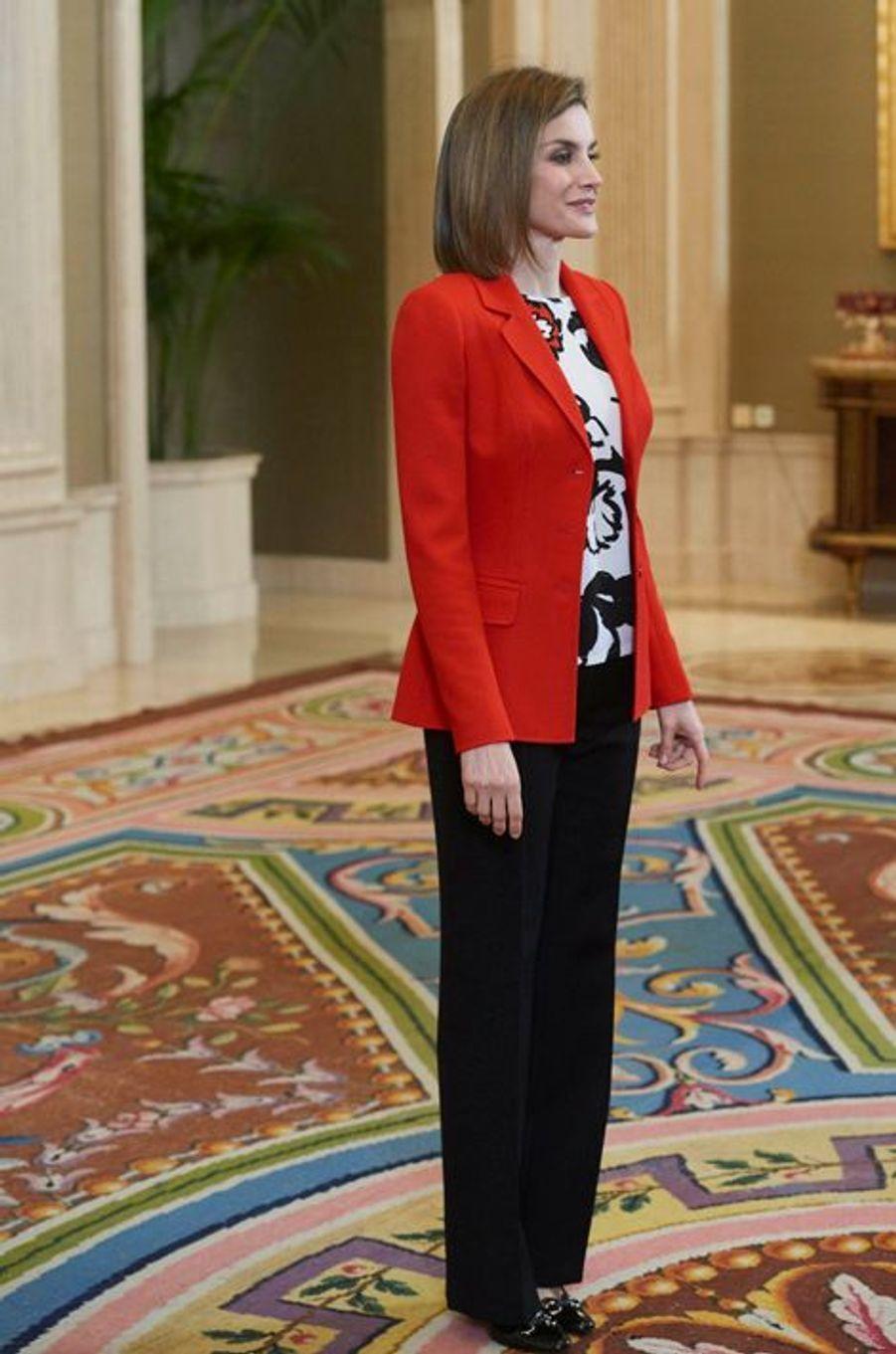 La reine Letizia d'Espagne au Palais de la Zarzuela à Madrid, le 26 janvier 2016