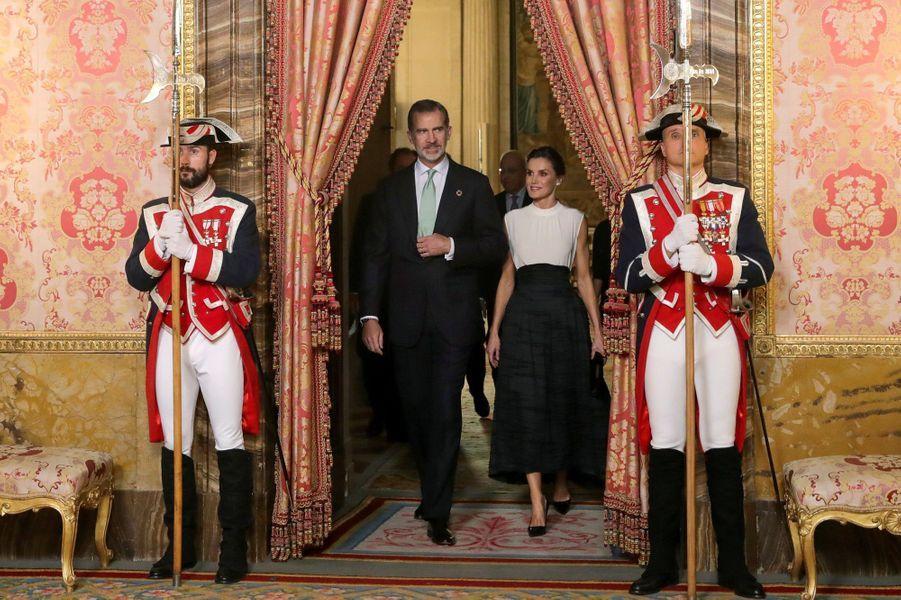 La reine Letizia et le roi Felipe VI d'Espagne au Palais royal à Madrid, le 2 décembre 2019
